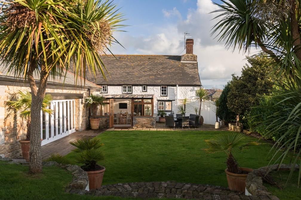 Ellenglaze | Luxury Self-Catering | Holywell Bay, Cornwall