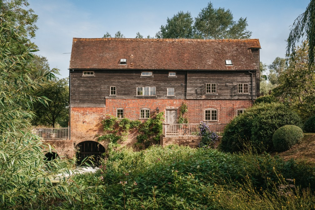 Mulberry Mill | Luxury Self-Catering Mill | West Sussex