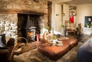 Luxury dog-friendly moorland cottage in North Bovey, Dartmoor